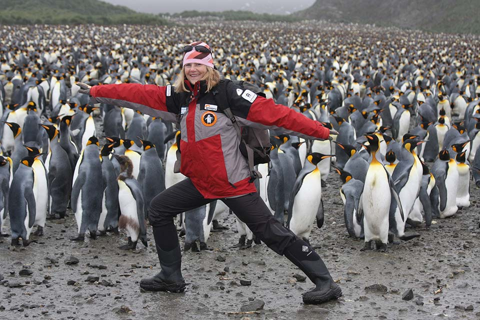 susan-r-eaton-with-penguins